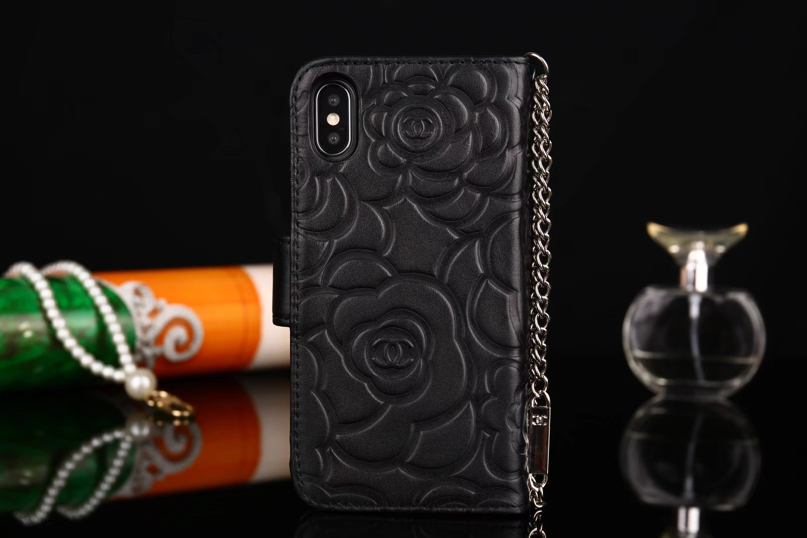 iphone case foto schutzhülle für iphone Chanel iphone X hüllen wo gibt es schöne handyhüllen foto auf handycover iphone größe apple iphone X aX apple hülle iphone X billig iphone X