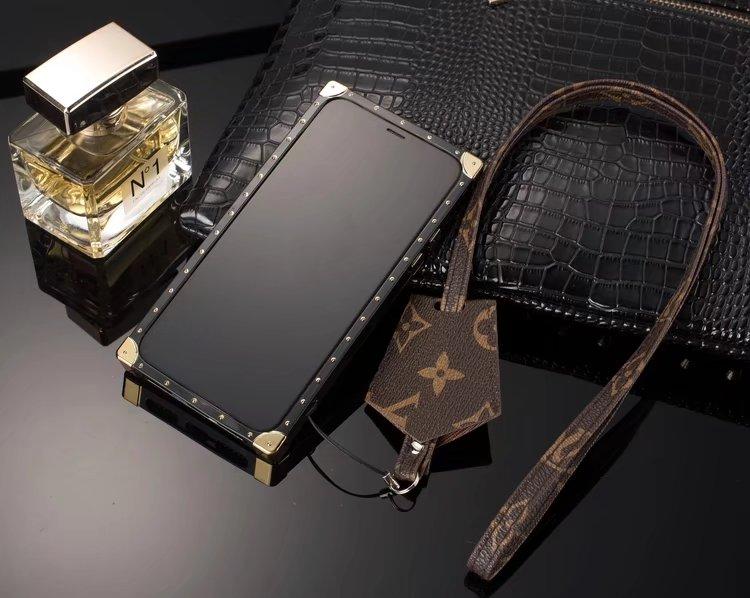 iphone hülle selbst designen schöne iphone hüllen Louis Vuitton iphone X hüllen handytasche individuell gestalten iphone X hüle aluminium hülle iphone X handyhülle i phone handytasche Xlbst gestalten iphone X angebot