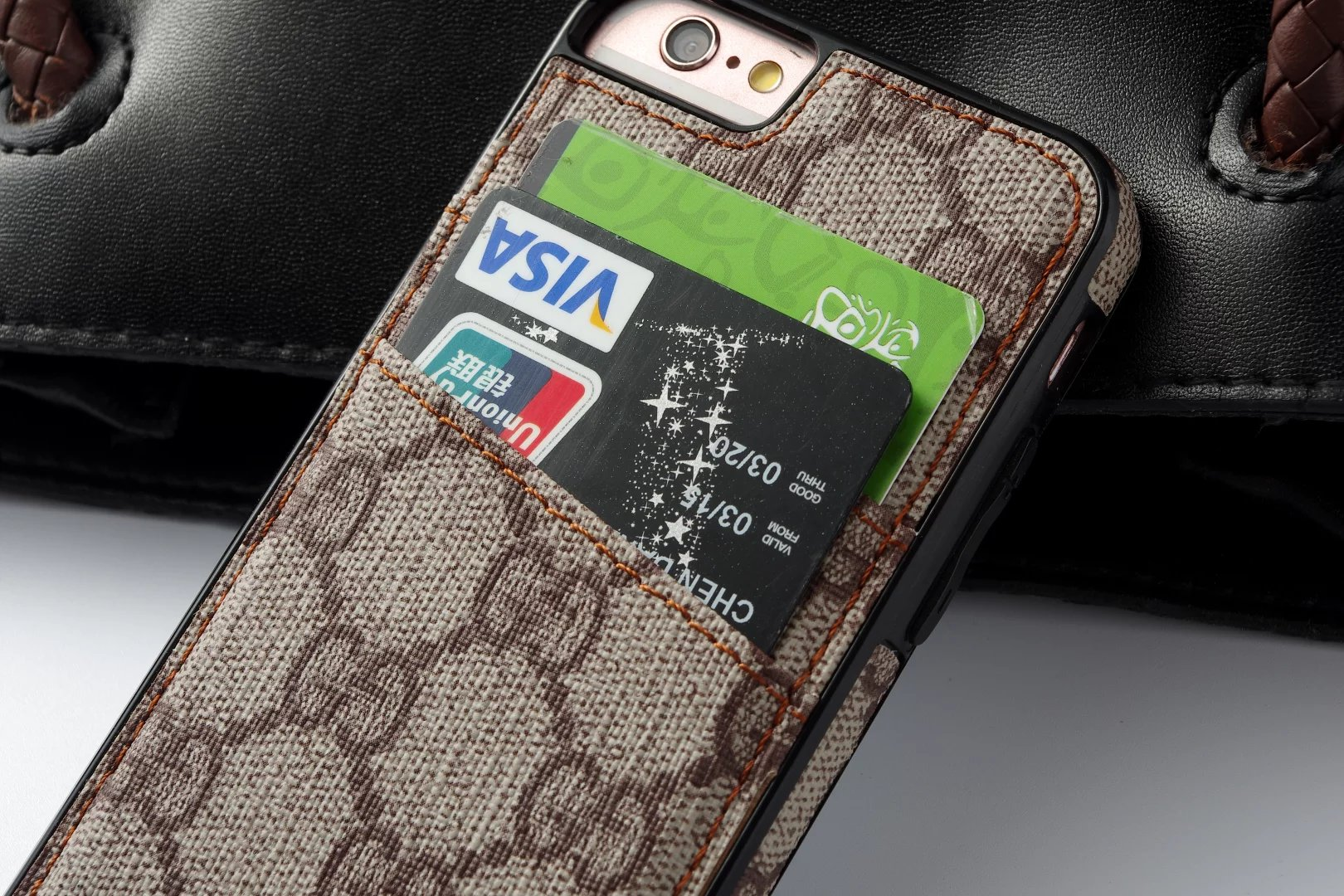 iphone case selbst gestalten lederhülle iphone Louis Vuitton iphone7 Plus hülle iphone 7 Plus hülle design handyhüllen anfertigen las7n iphone display größe smartphone ca7 7lber machen ipone hülle appel iphone 6