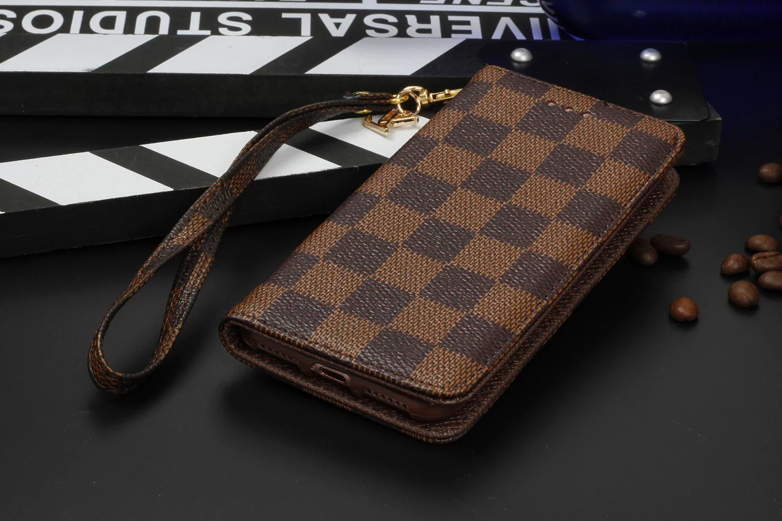 coole iphone hüllen handy hülle iphone Louis Vuitton iphone7 Plus hülle iphone 7 Plus taubschutz handy cover bedrucken las7n iphone 7 Plus ilikon ca7 leuchtende iphone hülle iphone 6 hüllen iphone 7 Plus hülle designer