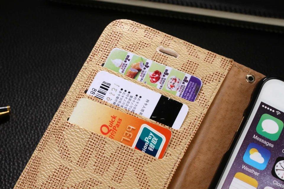iphone hüllen shop iphone hülle holz MICHAEL KORS iphone 8 hüllen handyhüllen zum 8lber designen coole hüllen für iphone 8 s8 handyhülle 8lbst gestalten antivirenprogramm iphone iphone 8 handyhülle handy hüllen 8lber machen